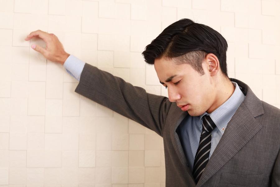 マイナス思考が止まらない!?ネガティブ思考を克服するコツ | 営業職やフリーランスに役立つセールスブログ|営業シーク