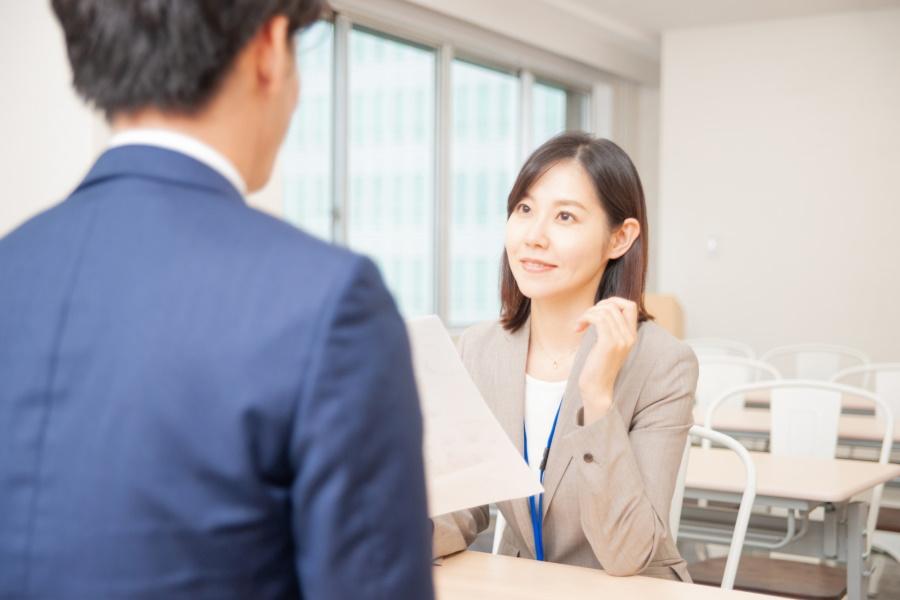 営業職の採用ではコレを聞け!一流の営業マンを採用する方法