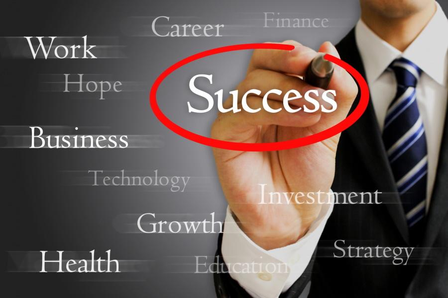 営業に転職する人は成功者になれる?営業職で成功するコツ