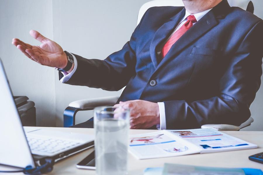 営業部長の役割りとは?営業統括に求められるスキル&資質