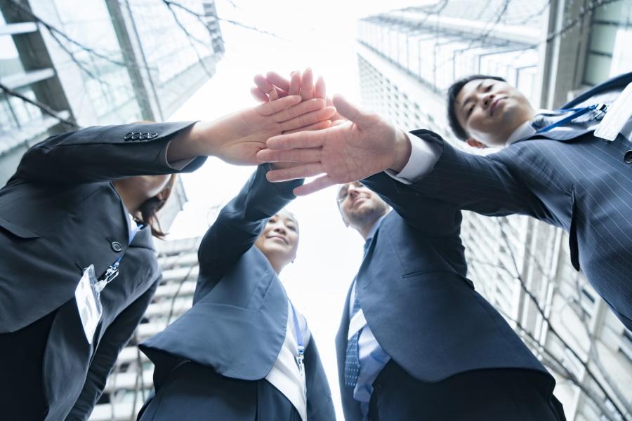 営業は人間関係がカギ 相手の懐に潜りこむ方法と信頼関係の築き方