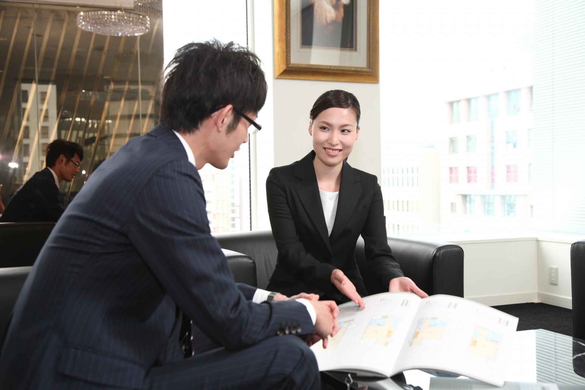 女性の営業職